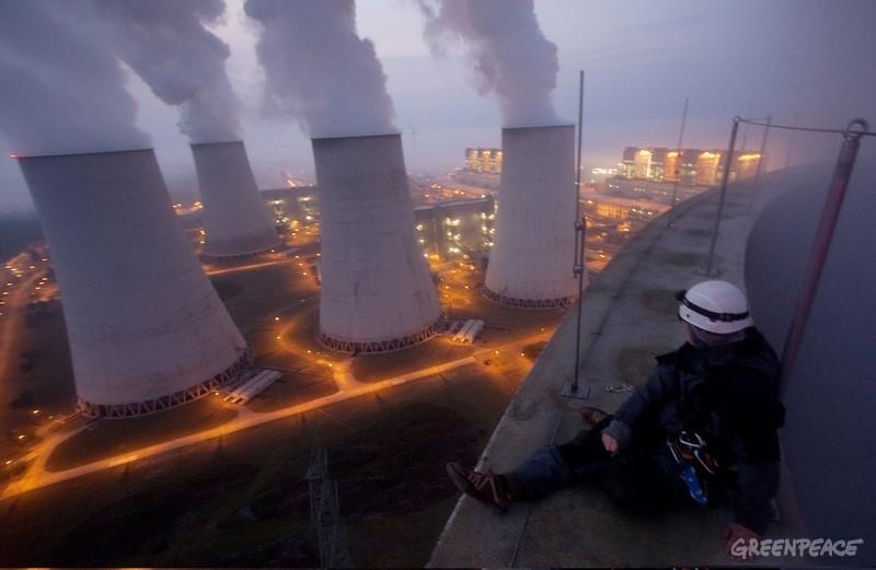 Coal Power Plant Action in Jaenschwalde Aktion gegen Braunkohlekraftwerks Jaenschwalde
