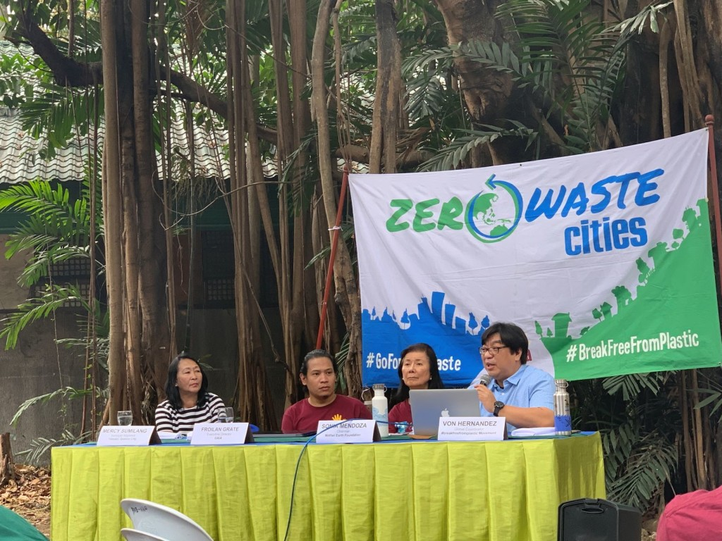 Civil society organizations presents the  waste assessment and brand audits to help Philippine cities fight plastic pollution. credit: IVAbano