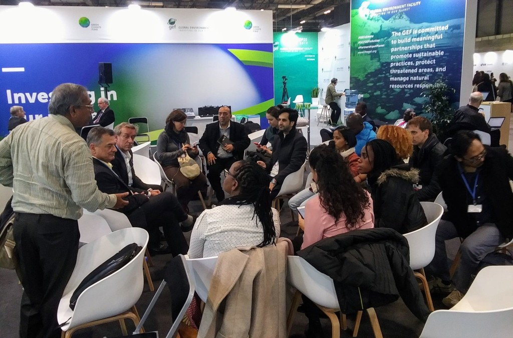Global Environment Facility Director of Programs Gustavo Fonseca briefing Earth Journalism Network's Climate Change Media Partnership fellows at the COP25 climate conference in Madrid in December 2019.